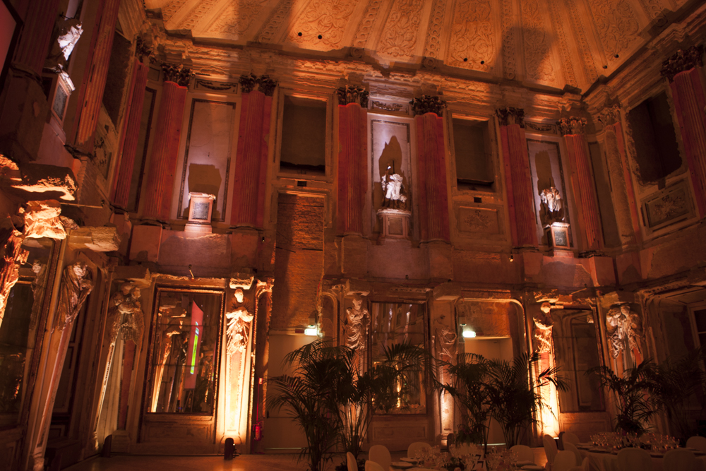 (Italiano) Palazzo Reale 30° Anniversario